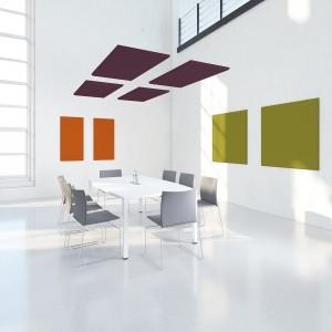 Les panneaux ADDENDA, fixés au mur ou au plafond, corrigent votre acoustique grâce à ses performances élevées pour l'absorption des sons. Une grande diversité de formats ainsi qu'une large palette de coloris offrent une réelle liberté de composition tout en répondant aux exigences de votre espace. Ces panneaux isolés en monochrome ou composés en polyptyque évoquent la géométrie des peintres abstraits. Ils habilleront votre intérieur d'une touche contemporaine chic et punchy.