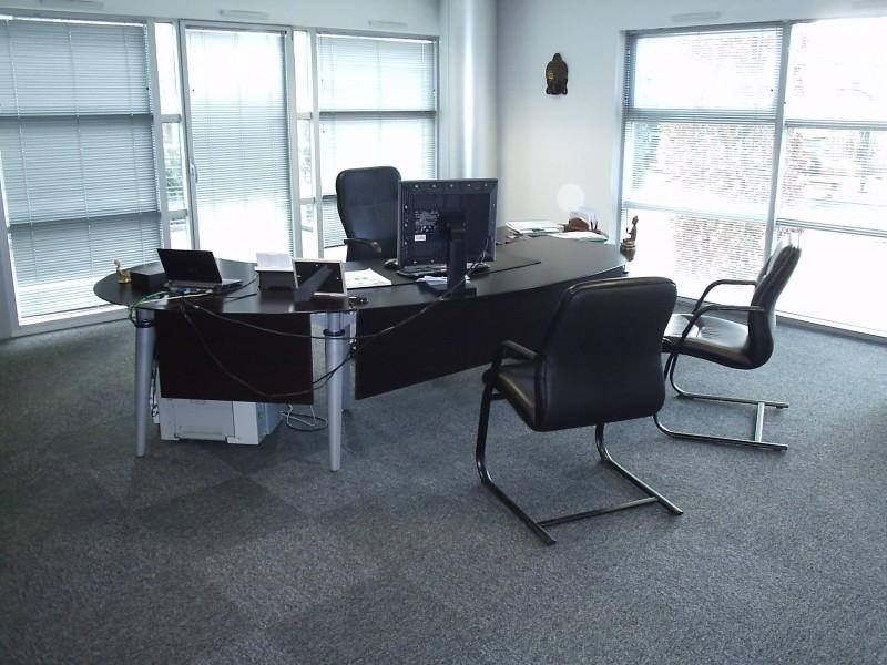 bureau direction aux docks du bureau buro espace. Black Bedroom Furniture Sets. Home Design Ideas
